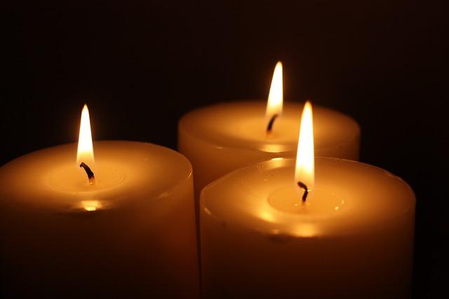 plamínky svíček