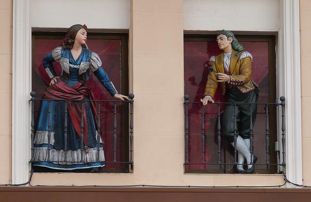 sochy v oknech