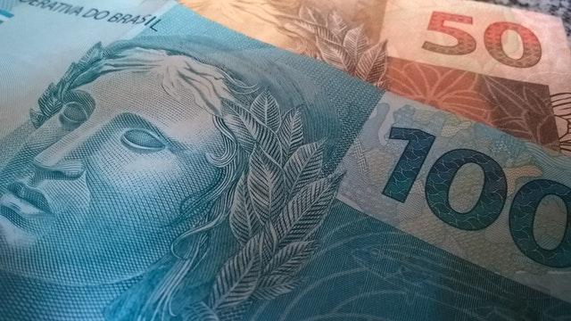 detail brazilské bankovky.jpg