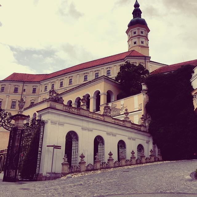 Pohled na zámek v Mikulově